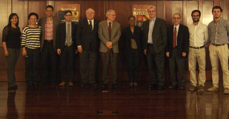 Grupo de expositores en el seminario de investigación con el Centro Médico Henry Ford.  (Foto por facultad de Medicina)