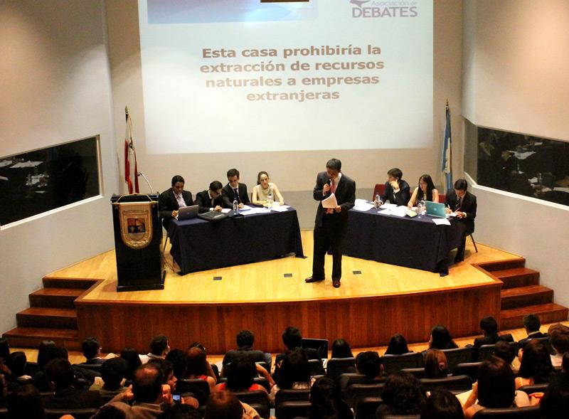 Vista de la clausura del IV Programa Formativo de Debate, en la UFM.