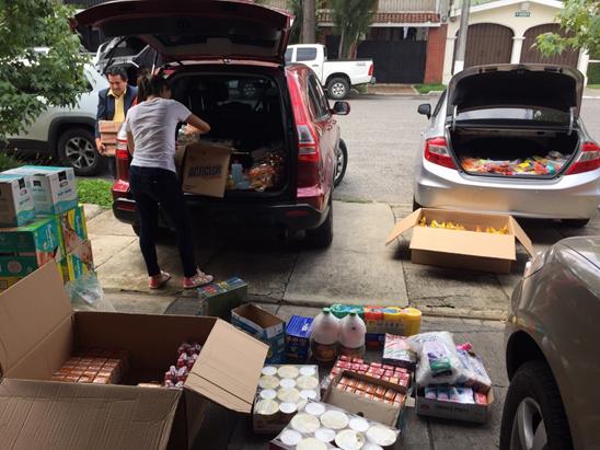 Vista de algunas donaciones recibidas.  (Foto por AEN)