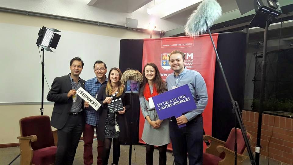 El equipo administrativo de la Escuela de Cine, acompañado por Tim Hedberg (al centro), que participó desde Washington, D.C. (Fotos por Escuela de Cine)