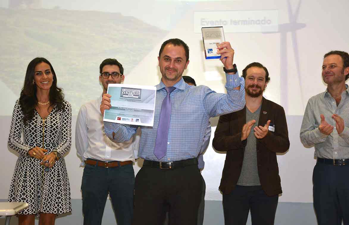 Los ganadores del Primer Lugar en el Venture Day fueron los creadores de Shutoff.