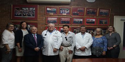 Doctor Roberto Sosa visitó la Facultad de Medicina