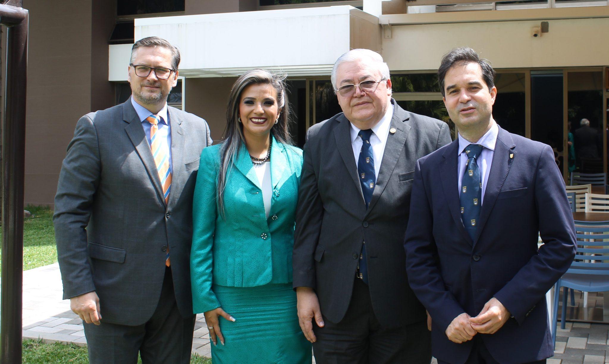 Medicina UFM acordó convenio con Novartis